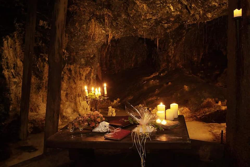Heiraten in der Morassina-Grotte
