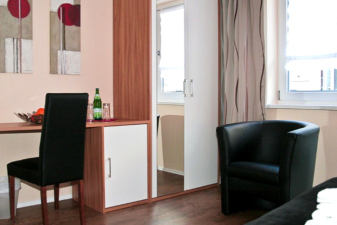 haus elisabeth ferienwohnungen g stezimmer bad salzungen th ringen. Black Bedroom Furniture Sets. Home Design Ideas