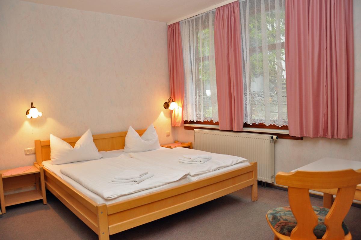 pension gasthof am park st tzerbach th ringen. Black Bedroom Furniture Sets. Home Design Ideas