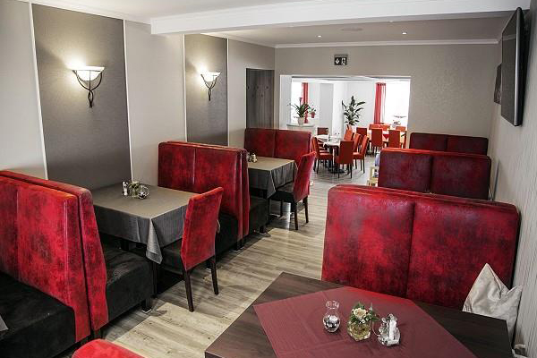 hotel restaurant oberland neuhaus am rennweg th ringen. Black Bedroom Furniture Sets. Home Design Ideas