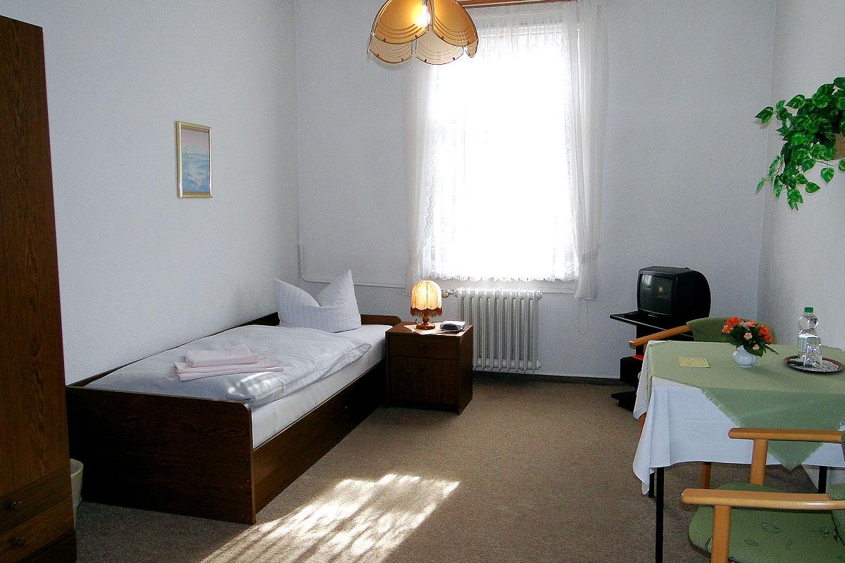 pension und cafe olga bad liebenstein th ringen. Black Bedroom Furniture Sets. Home Design Ideas