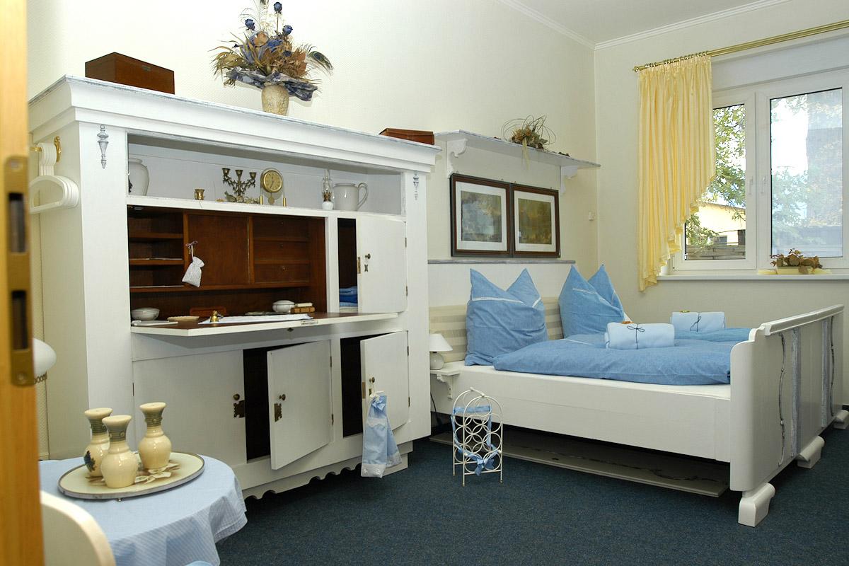 pension shabby chic bad blankenburg th ringen. Black Bedroom Furniture Sets. Home Design Ideas