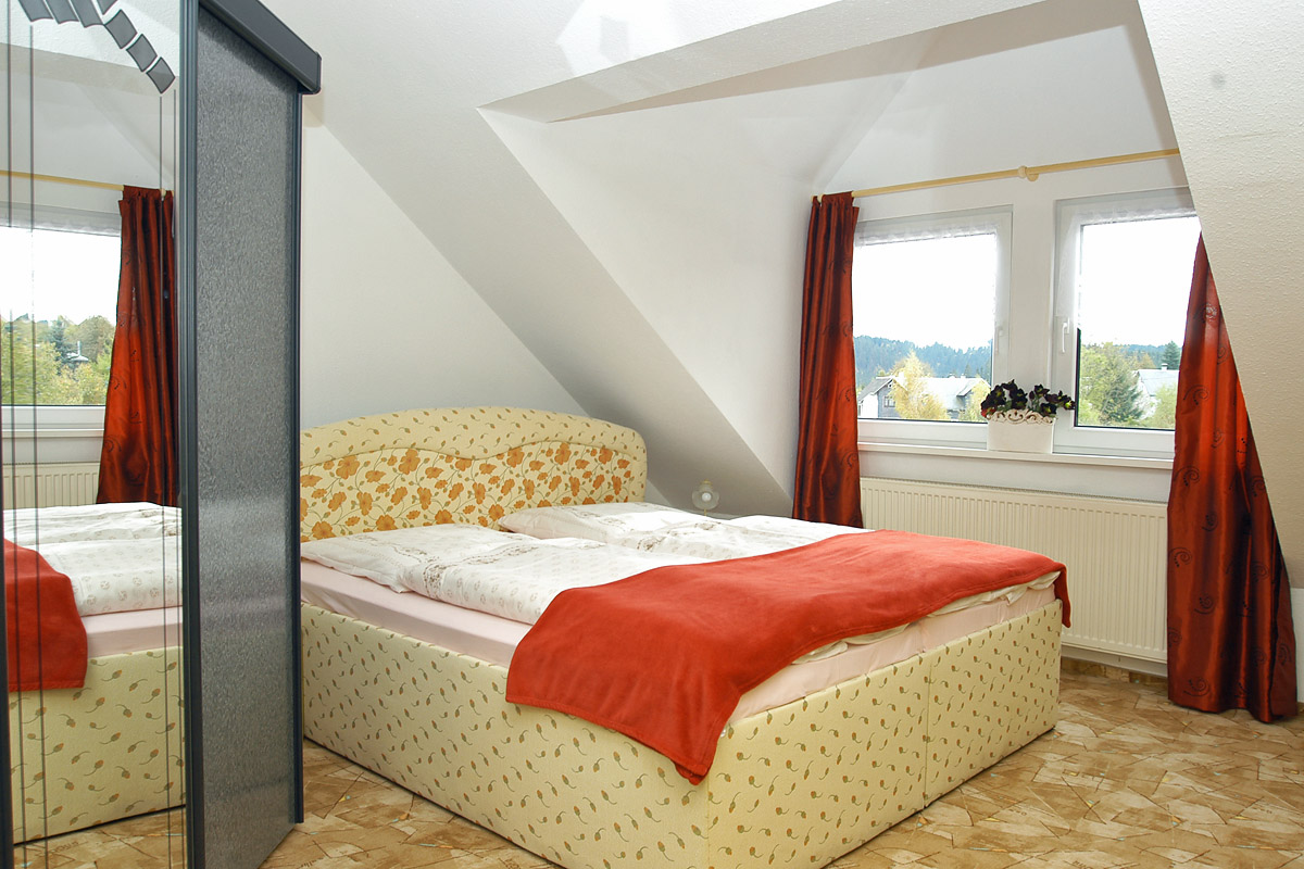 gasthaus und pension zum hirsch gehlberg th ringen. Black Bedroom Furniture Sets. Home Design Ideas